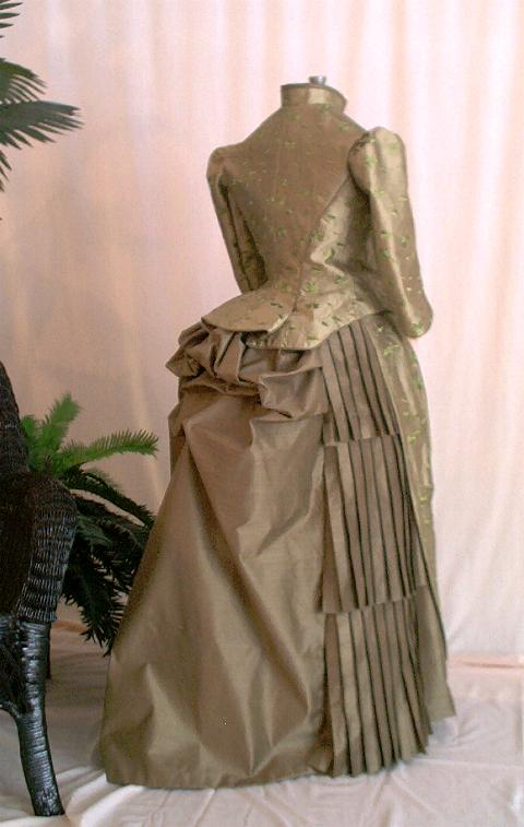 Victorian GREEN SILK EMBROIDERED DAY DRESS