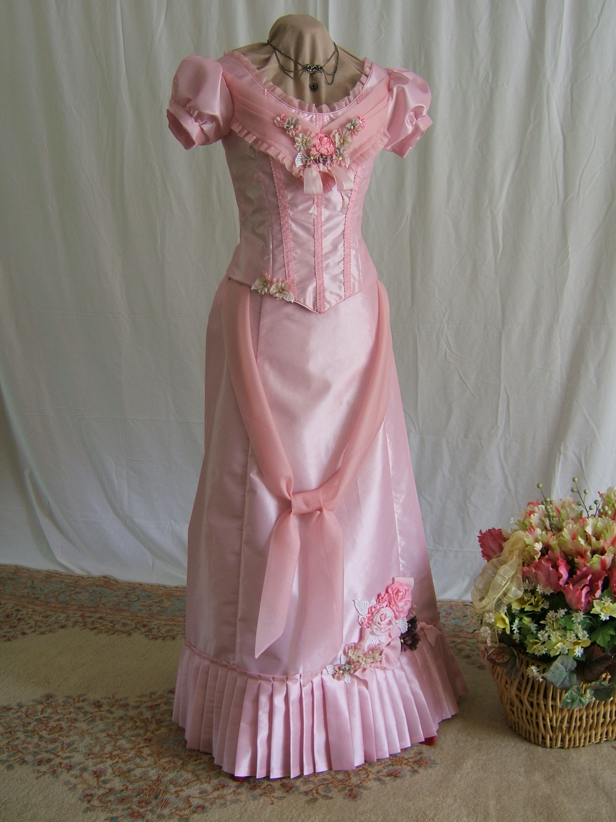PRINCESS ROSELYN PINK BALL GOWN